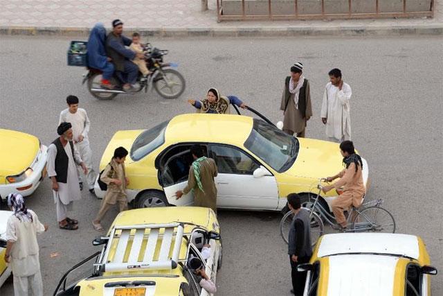 Afghan-cabbie-2
